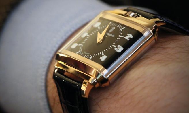 De-Grisogono-New-Retro-wrist.jpg